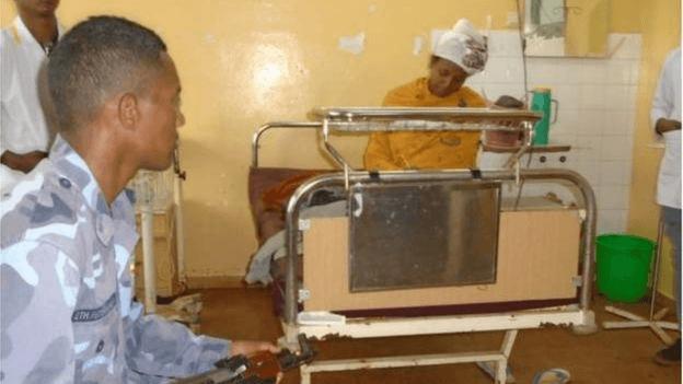 Алмас Дерес (Эфиопия) сдаёт экзамены через полчаса после родов