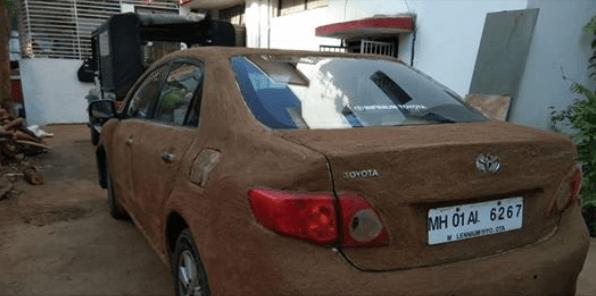 Тойота Королла в навозе
